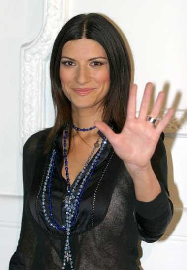 ترانه « به قلبت گوش کن » از لورا پائوزینی (Laura Pausini)